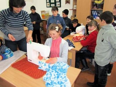 Textiles Arbeiten mit der neuen Nähmaschine